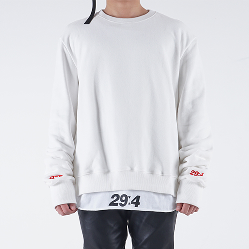 LONG SLEEVE SWEATSHIRT (WHITE)