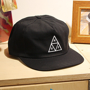TRIPLE TRIANGLE SNAPBACK (BLACK) - HFA17HT025BK
