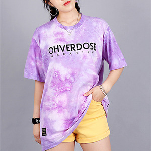 [오버도스] TIE-DYE SIGNATURE LOGO TEE PURPLE